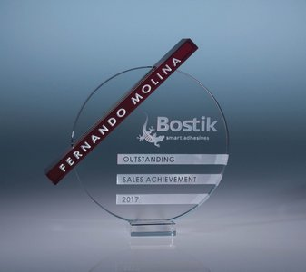 Dynamix Crystal Glass Award - Red Bar
