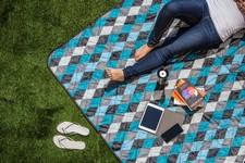 Vista XL Outdoor Blanket Tote, (Black with Blue Argyle)