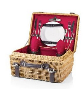 Champion Picnic Basket, (Red Lining & Napkins with Dark Brown L